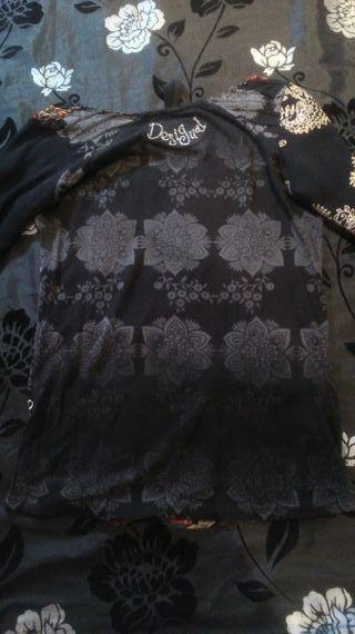 Camiseta desigual S