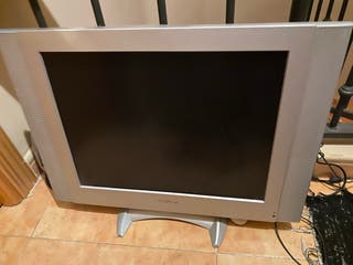 Televisión y monitor lcd 20