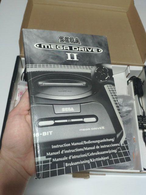 consola sega mega Drive II en caja