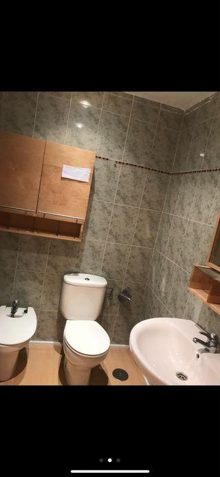Conjunto Armario pared, lejas y espejo