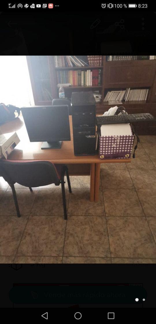 ordenador lg con teclado y pantalla