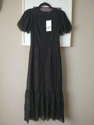 Vestido de encaje negro Zara