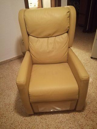 Sofá individual reclinable