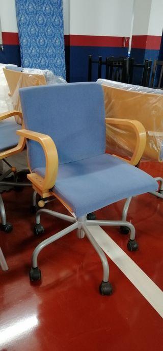 Silla oficina azul y madera