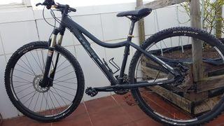 Bicicleta Trek modelo CALI SL de mujer