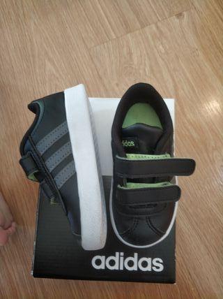 Bambas Adidas nuevas talla 21
