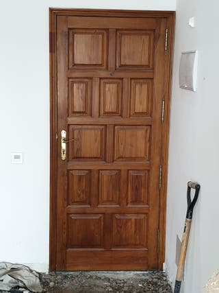 puerta de la calle