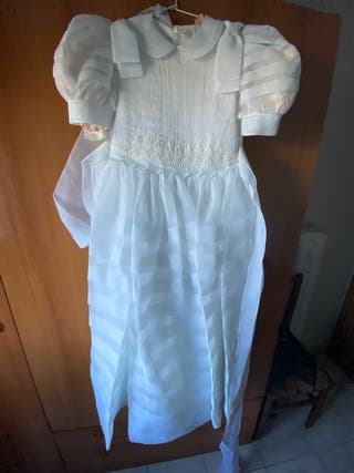 Vestido de comunión para niña.