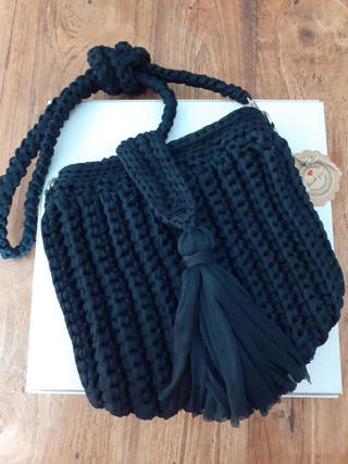 Bolso trapillo pluma negro