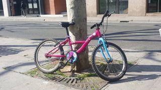 Bicicleta infantil para niñ@s de entre 6 y 8 años