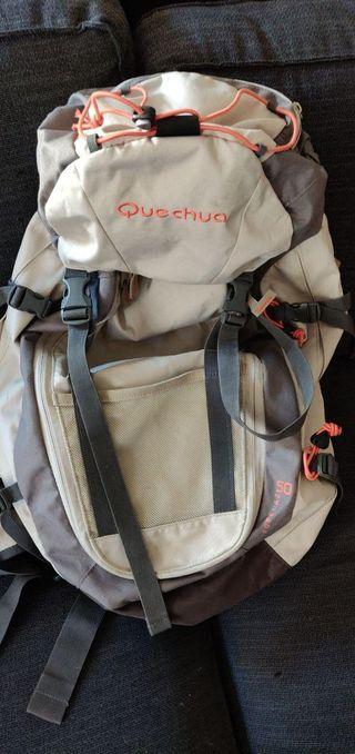 Mochila de trekking Quechua Forclaz 50