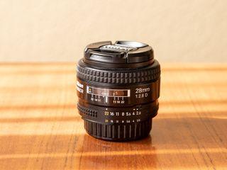 Objetivo AF Nikon 28 mm f2.8D
