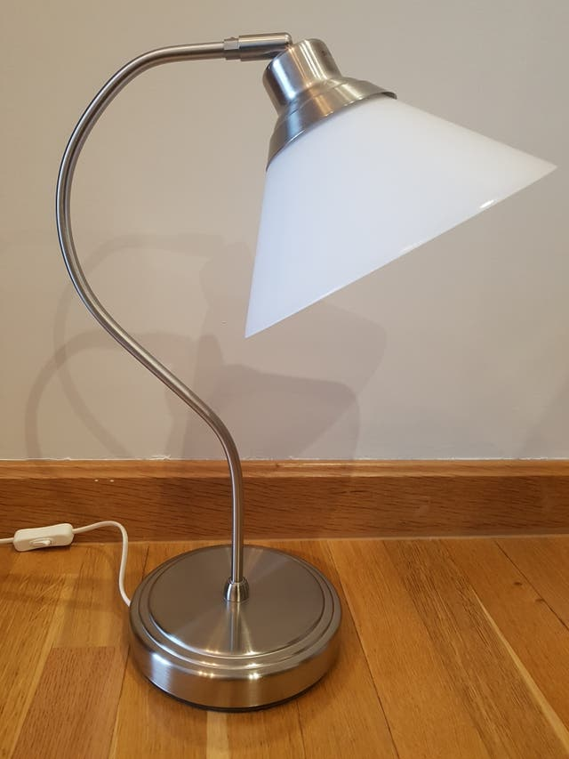 Lampara de mesa de Ikea