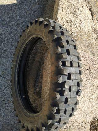 neumático motocross enduro