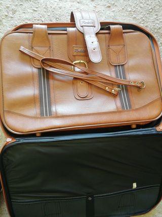 Se vende maleta marca Rodelle nueva