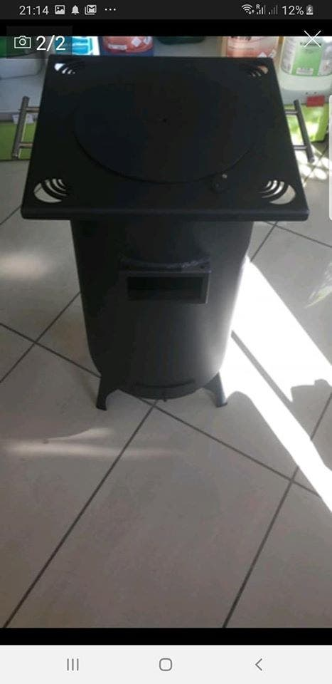 estufa de leña de hierro forjado