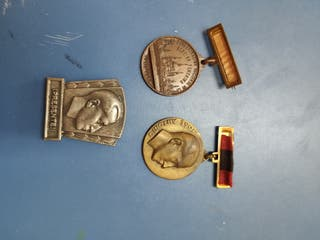3 medallas FALANGE franco jose antonio