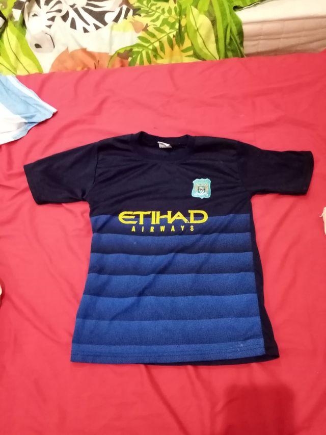 Kun AGUERO Manchester City kit