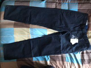 Pantalones chinos de color azul