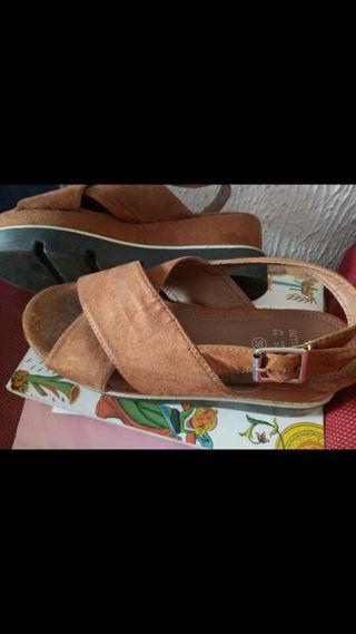 Zapatos, sansalias piel.