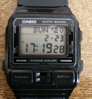 Reloj Data Bank