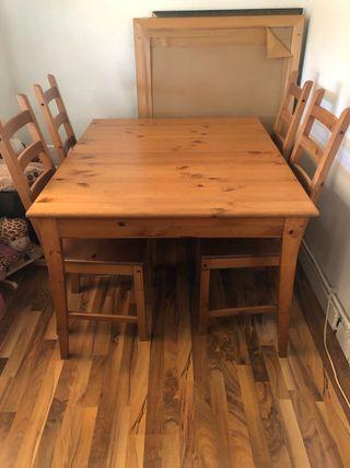 Conjunto mesa y 4 sillas madera ikea