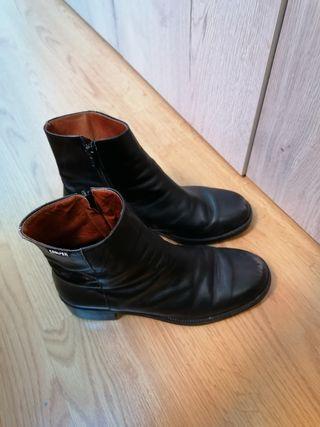 botines negros camper