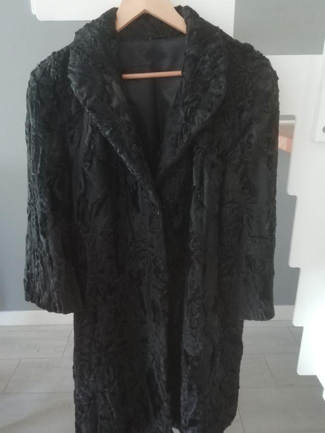 abrigo astracan negro