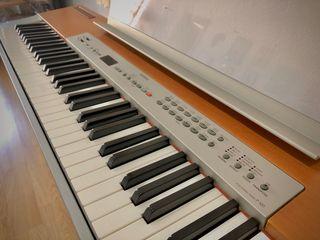 Piano Yamaha P-120 con soporte + banqueta