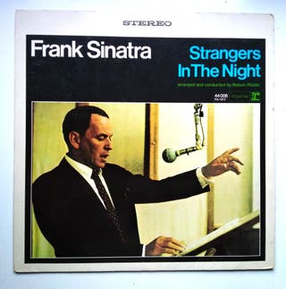 Frank Sinatra - Strangers In The Night (LP)