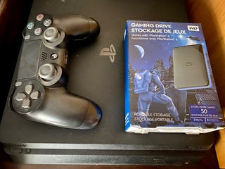 Playstation 4 con disco externo