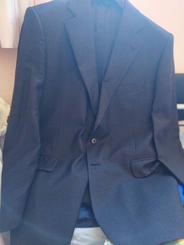 traje gris marengo