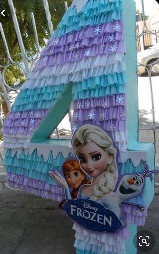 Piñata número frozen personalizada