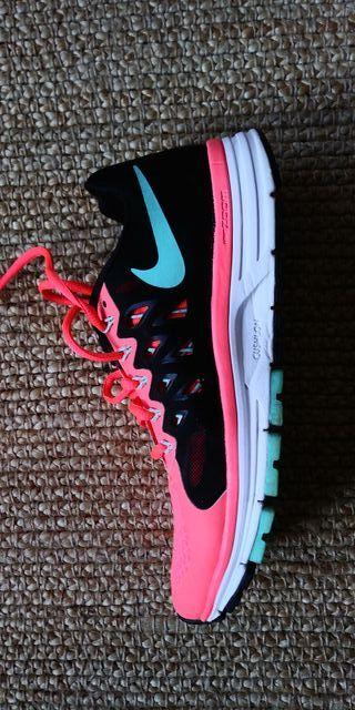 Zatapillas Nike Vomero 9