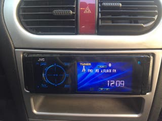 Radio táctil JVC,CD con bluetooth.