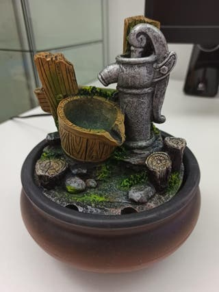 Fuente eléctrica decorativa con agua