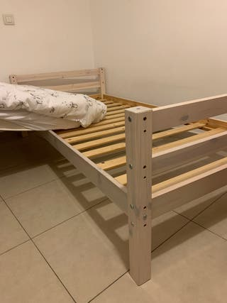 Cama de niño madera con colchon Ikea