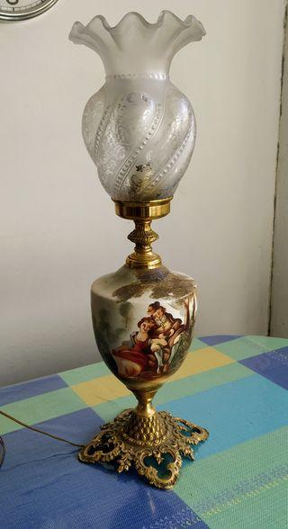 Lámpara de mesa antigua (candelabro)