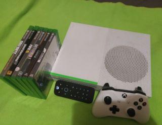 se vende Xbox one , muy nueva.