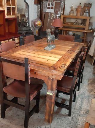 mesa rustica y sillas
