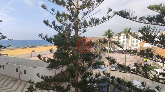 Piso en primera linea de playa en El Morche (El Morche, Málaga)