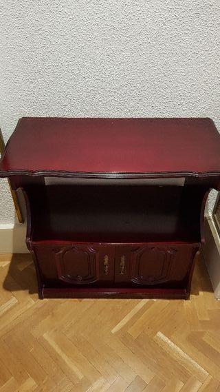 Antiguo mueble auxiliar