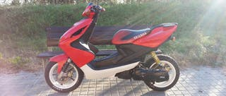 Yamaha Aerox - Edición Checa