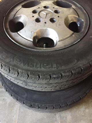 """4 llantas mercedes vito y 2 neumáticos 15"""""""