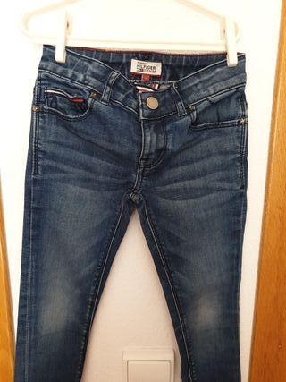 Pantalón Tommy Hilfiger 110/5 años