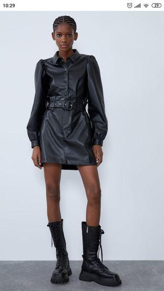 Falda mini efecto piel Zara L con etiqueta
