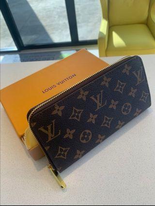Cartera Louis Vuitton nueva