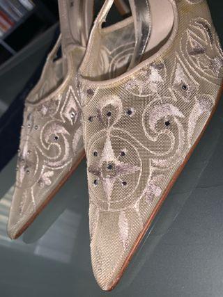 Confidencial Folleto Enriquecimiento  Zapatos de novia Swarovski de segunda mano en WALLAPOP