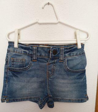 Pantalón corto vaquero 3/4 años 104cm