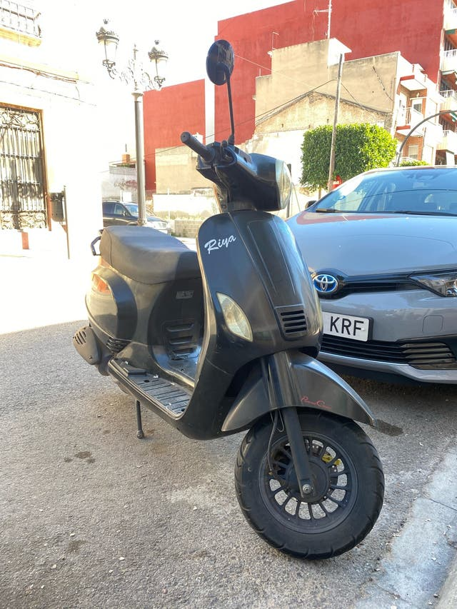 Scooter 125 Riya Rome